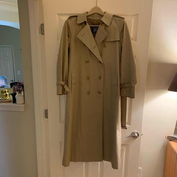 a0e525ca1 Women's Vintage Burberry Trench Coat